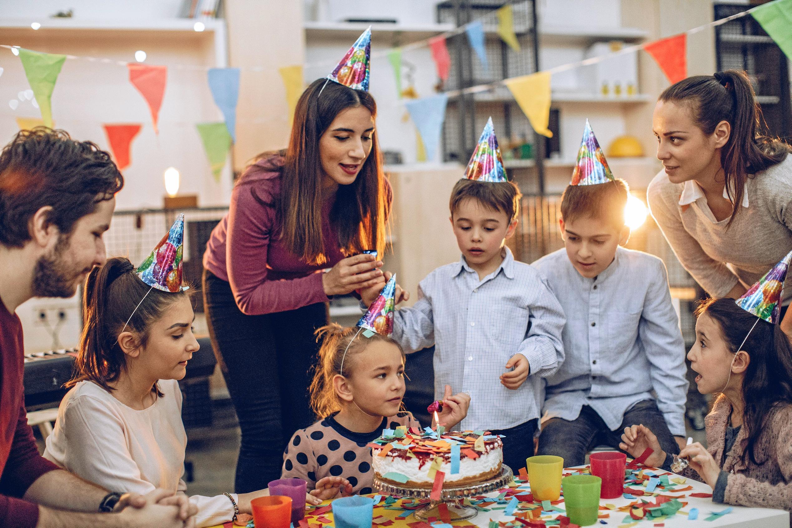 может ли няня помочь с организацией детского праздника
