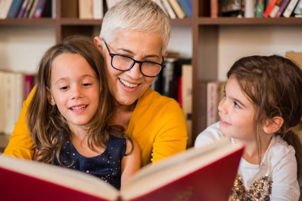 Как выбрать няню, которая поможет ребенку научиться читать